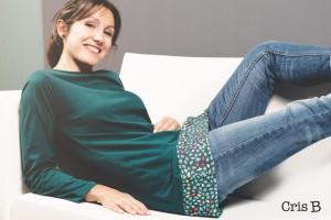 camiseta-verde-franja-sofa