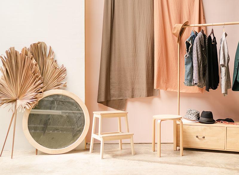 armario sostenible ordenado
