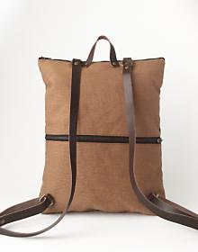 mochila sostenible bolsillo trasero2