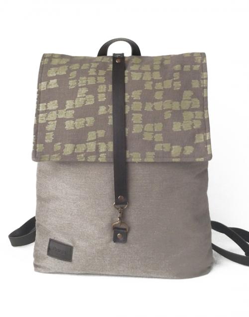 mochila sostenible en tejido ecologico